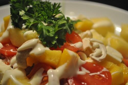 Tunsalat med frugter