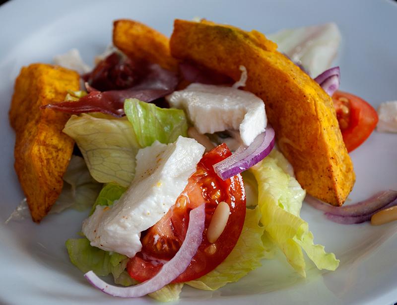Salat med krydderbagt Hokkaido