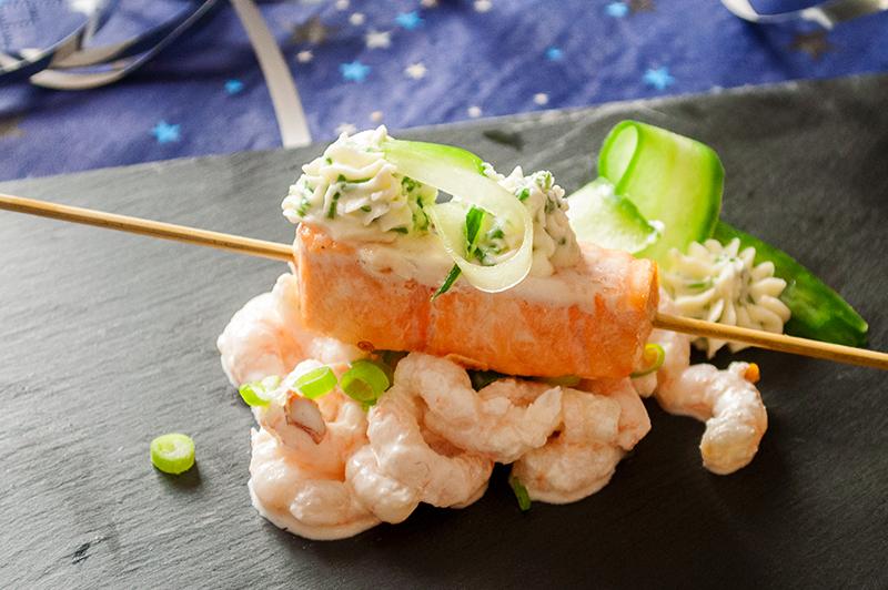 Lækker fiskeforret med laks og rejer