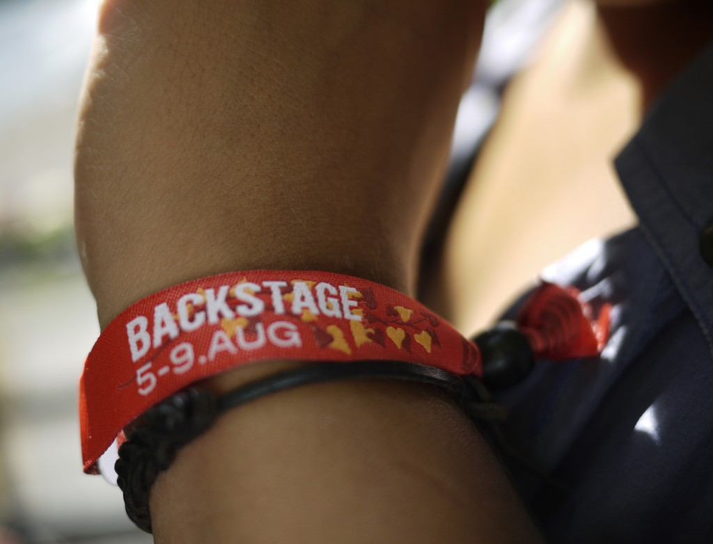 Backstagearmbånd - Tak tilRasmus Holmegård for lån af billedet.