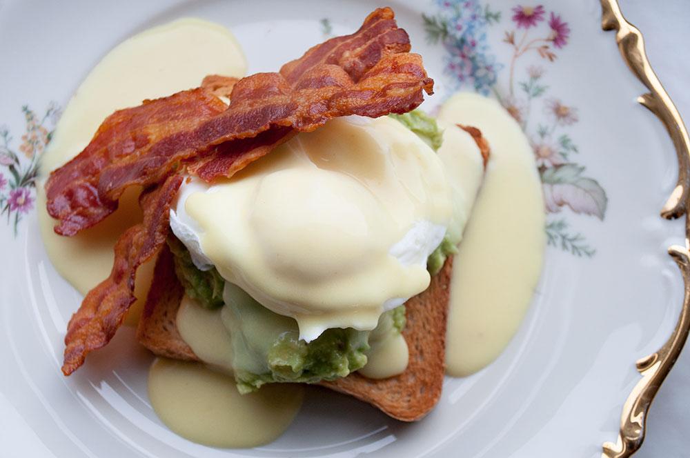 egg-benedict-04