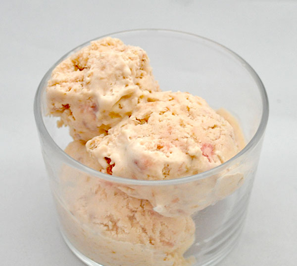 Rabarber-Is med Lakrids