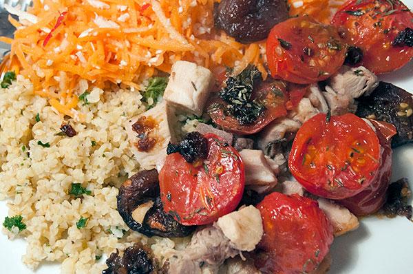 gulerodder-tomater-kylling-couscous