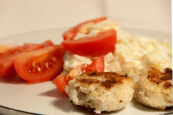Torske-deller med let kartoffelsalat